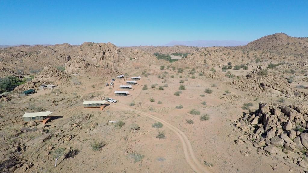 Lages des Ozondjou Trails Camp in Namibia | Abendsonne Afrika