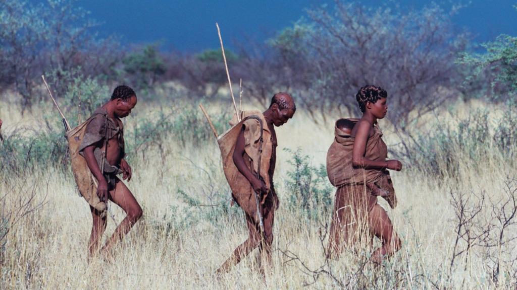 Bushmänner in der Kalahari in Botswana | Abendsonne Afrika