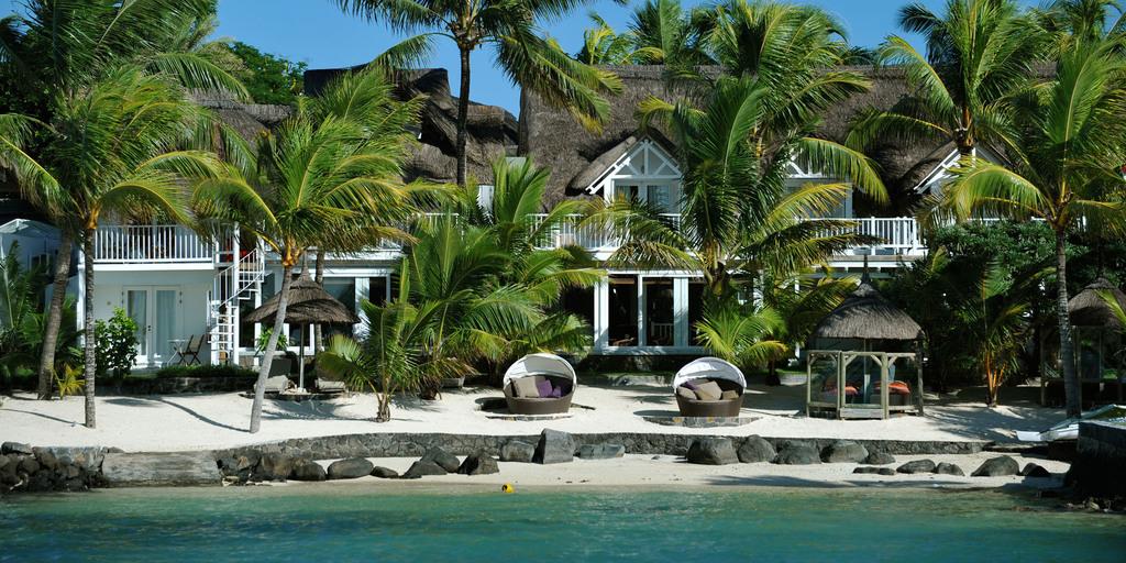 Blick vom Meer auf das 20 Grad Sud Hotel auf Mauritius | Abendsonne Afrika