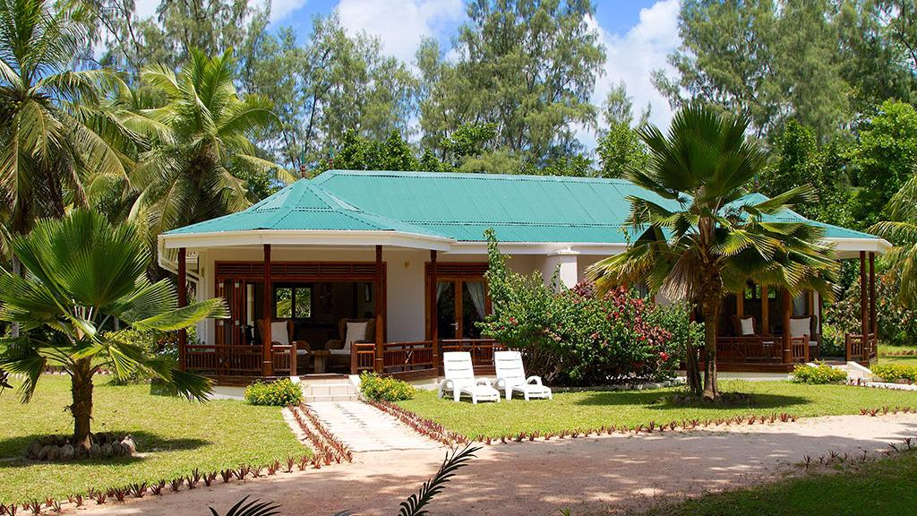 Blick auf das Les Villas D'Or auf den Seychellen | Abendsonne Afrika