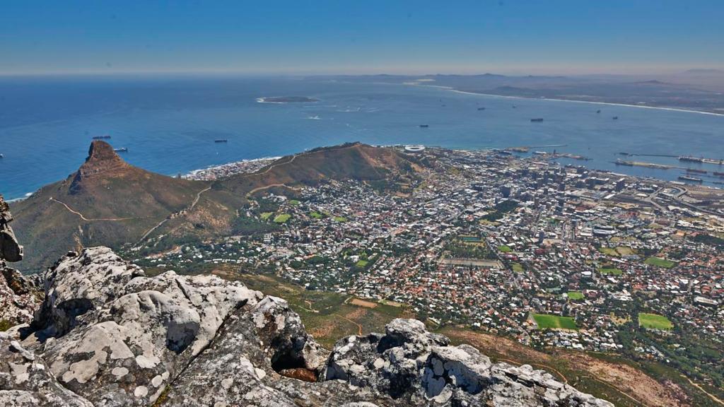 Blick vom Tafelberg auf Kapstadt in Südafrika | Abendsonne Afrika