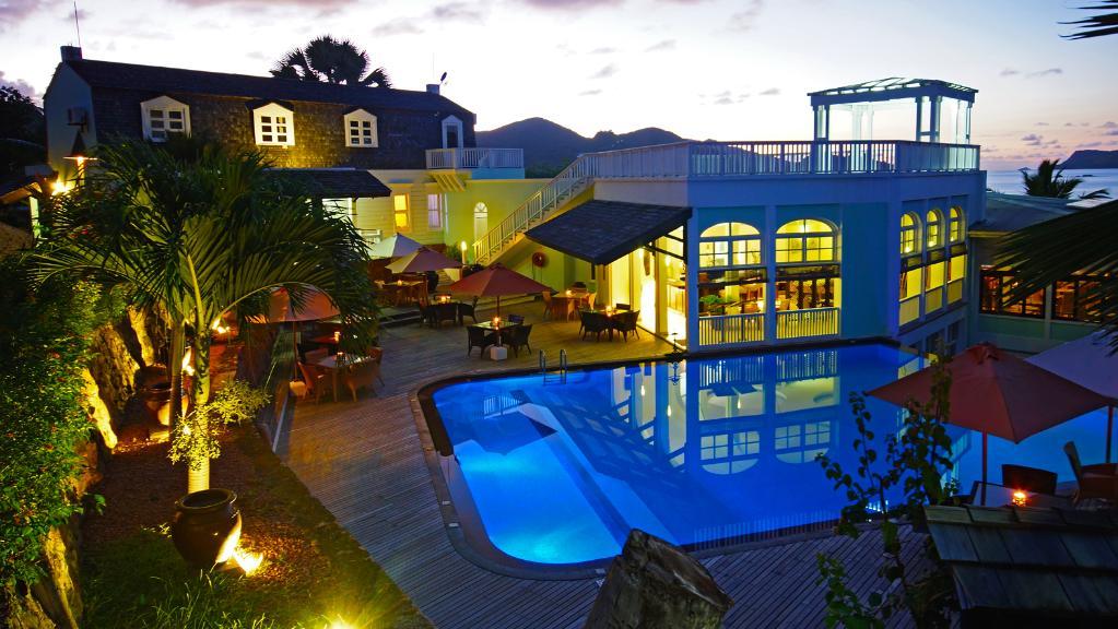 Blick auf das Hotel L'Archipel auf den Seychellen | Abendsonne Afrika