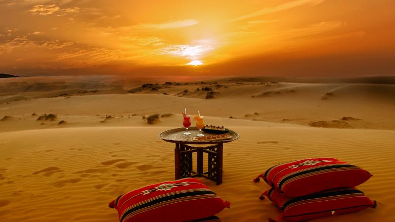 Ausblick vom 1000 Nights Camp im Oman | Abendsonne Afrika