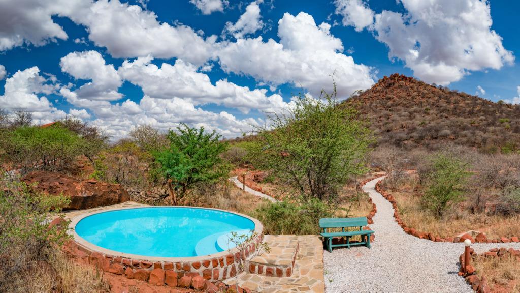 Pool der Waterberg Valley Lodge in Namibia | Abendsonne Afrika