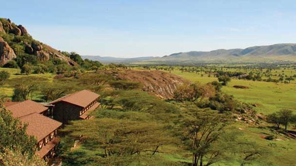 Blick von der Lobo Wildlife Lodge in Tansania | Abendsonne Afrika