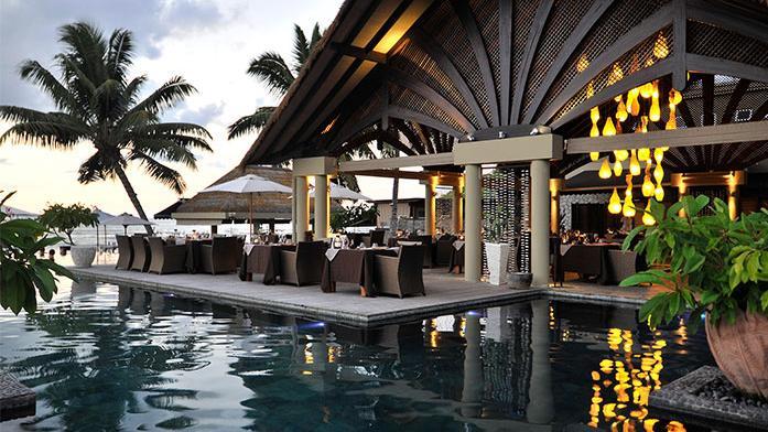 Restaurant im Le Domaine de L'Orangeraie auf den Seychellen   Abendsonne Afrika