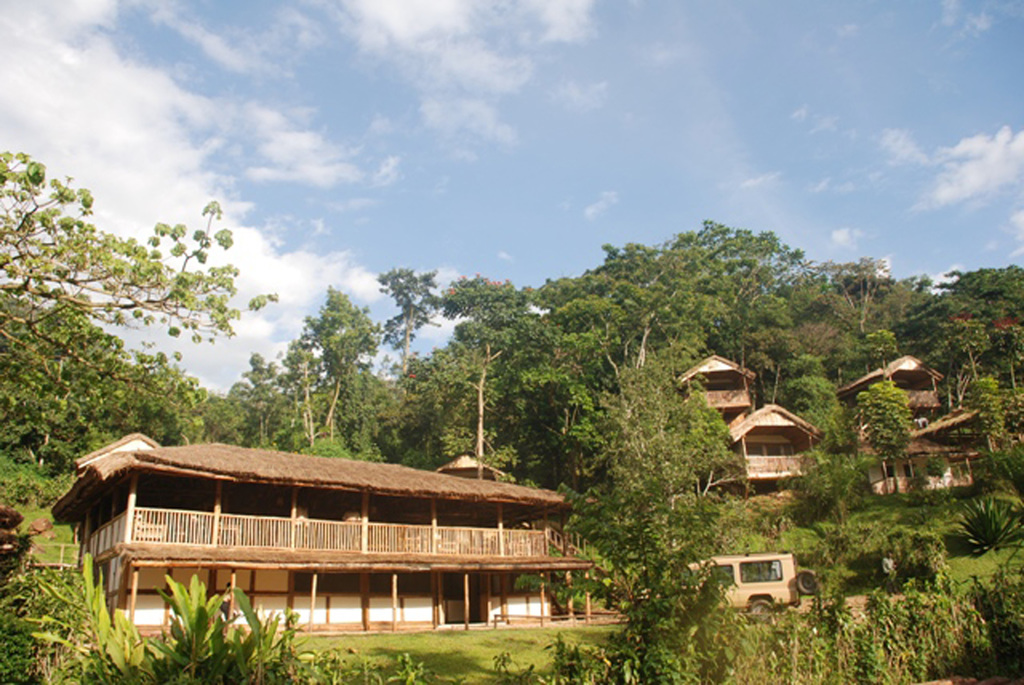 Überblick der Buhoma Lodge in Uganda | Abendsonne Afrika
