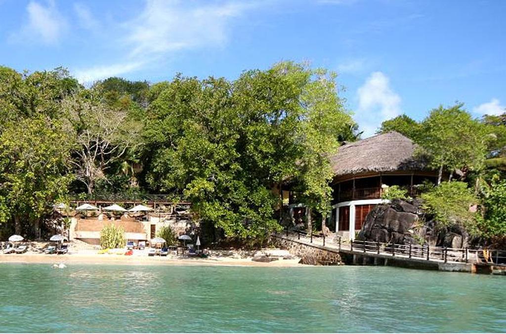 Strand des Cerf Island Resort auf den Seychellen | Abendsonne Afrika