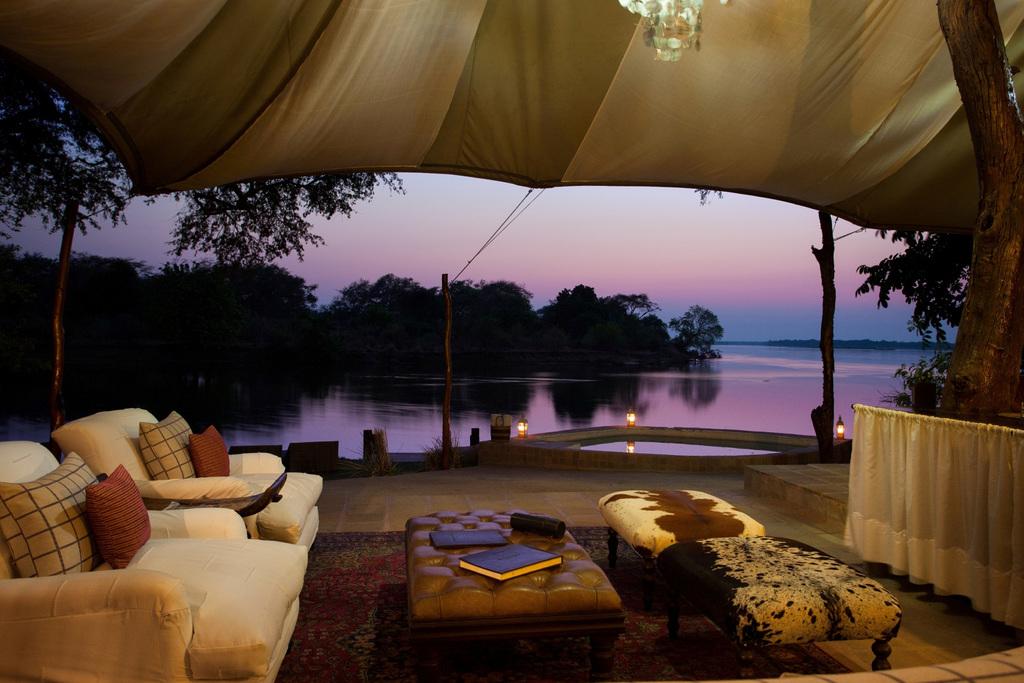 Abends im Chongwe River Camp in Sambia   Abendsonne Afrika