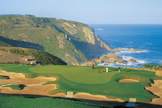 Golfplatz des Conrad Pezula Resort & Spa in Südafrika   Abendsonne Afrika
