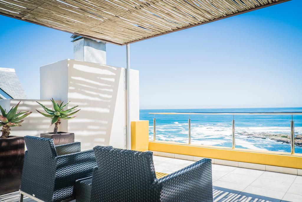 Ausblick vom Balkon der Crayfish Lodge in Südafrika | Abendsonne Afrika