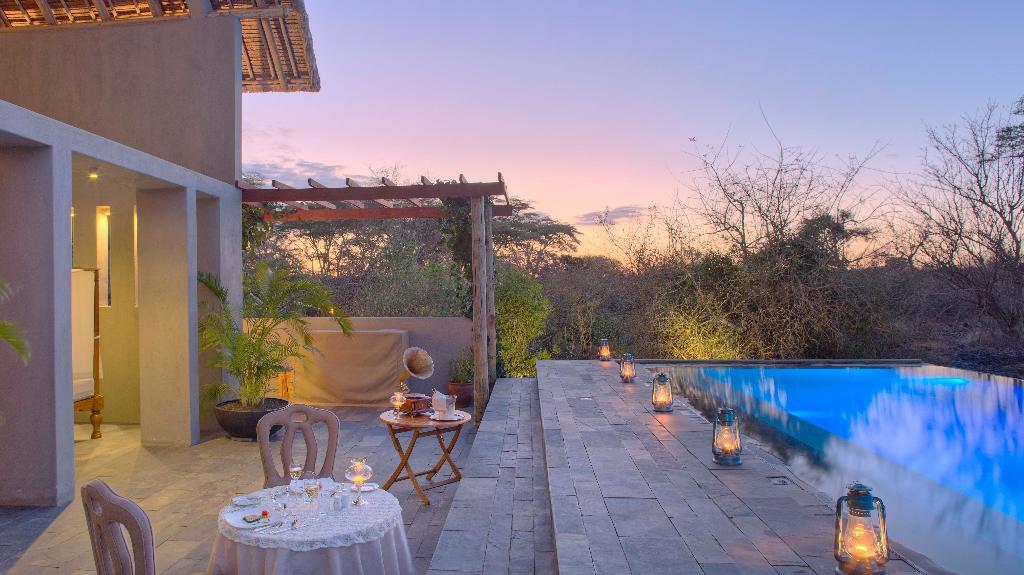 Finch Hatton's Camp, Tsavo, Kenia   Abendsonne Afrika