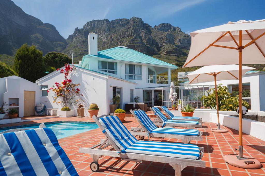 Sonnenterrasse des Diamond Guest House in Südafrika | Abendsonne Afrika