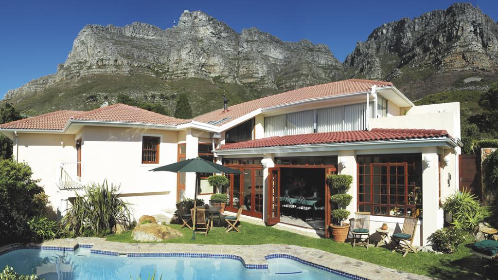 Blick auf das Ambiente Guest House in Südafrika   Abendsonne Afrika