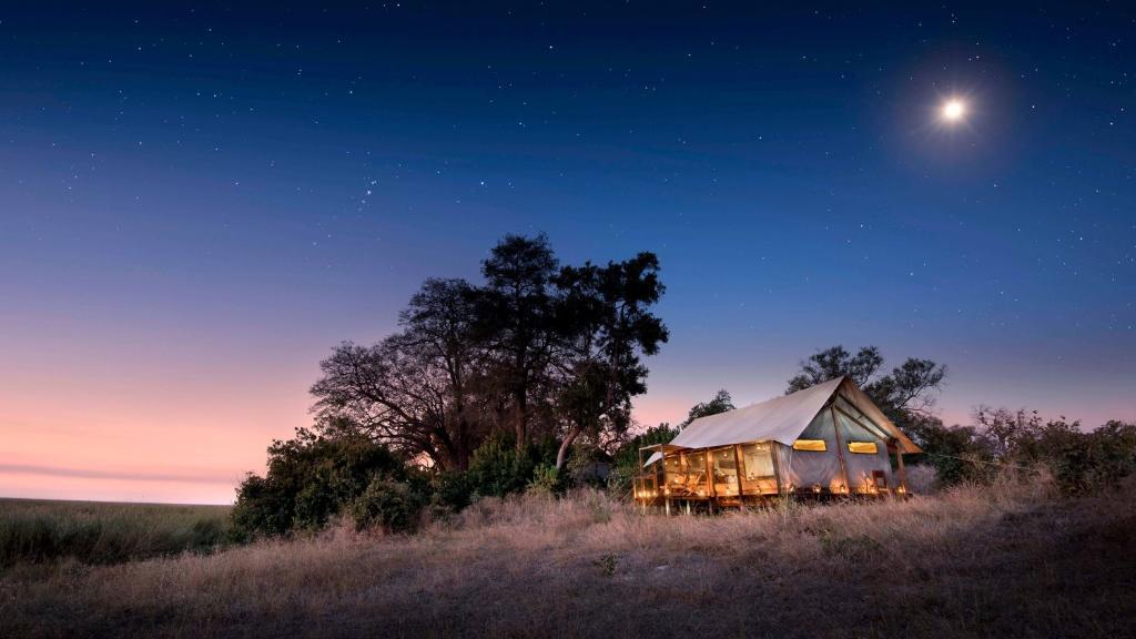 Zeltchalet im Linyanti Ebony Camp in Botswana | Abendsonne Afrika