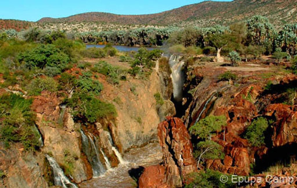 Epupa Fälle östlich des Epupa Camps in Kaokoveld in Namibia | Abendsonne Afrika