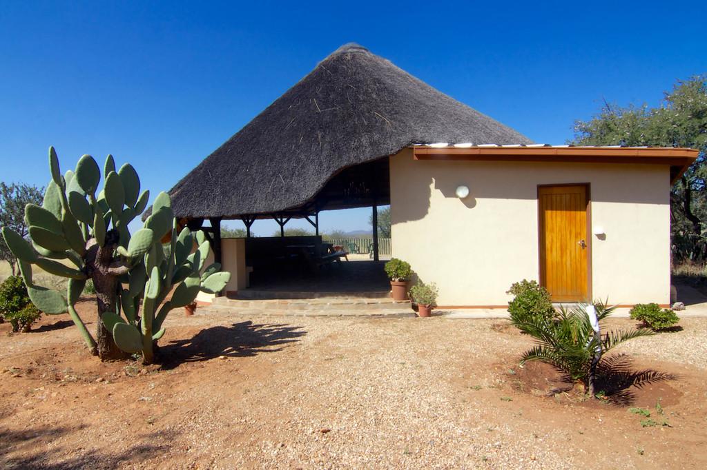 Campingplatz der Etango Ranch Guest Farm in Namibia | Abendsonne Afrika