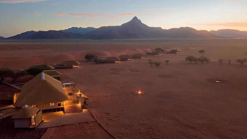 Lage der Kwessi Dune Lodge in Namibia | Abendsonne Afrika