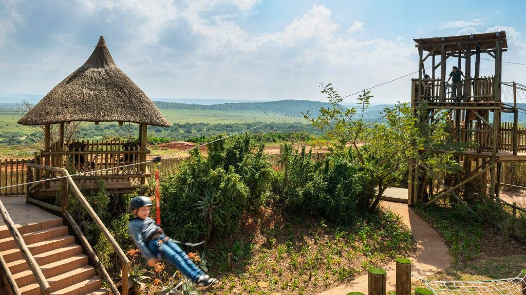 Spilplatz im Shamwari Riverdene Lodge in Südafrika   Abendsonne Afrika