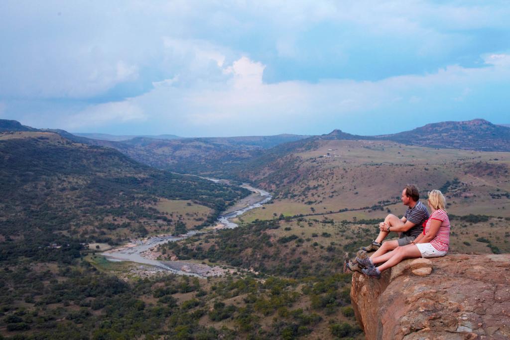 Wandern bei der Isibindi Zulu Lodge in Südafrika | Abendsonne Afrika