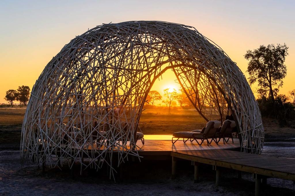 Pool Pavillion im Jao Camp in Botswana | Abendsonne Afrika