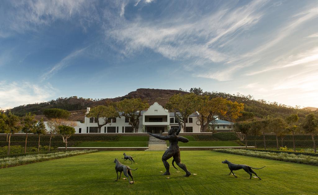 Garten des LEEU Estates in Südafrika | Abendsonne Afrika