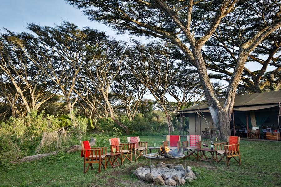 Sundowner im Lemala Ngorongoro Camp in Tansania | Abendsonne Afrika