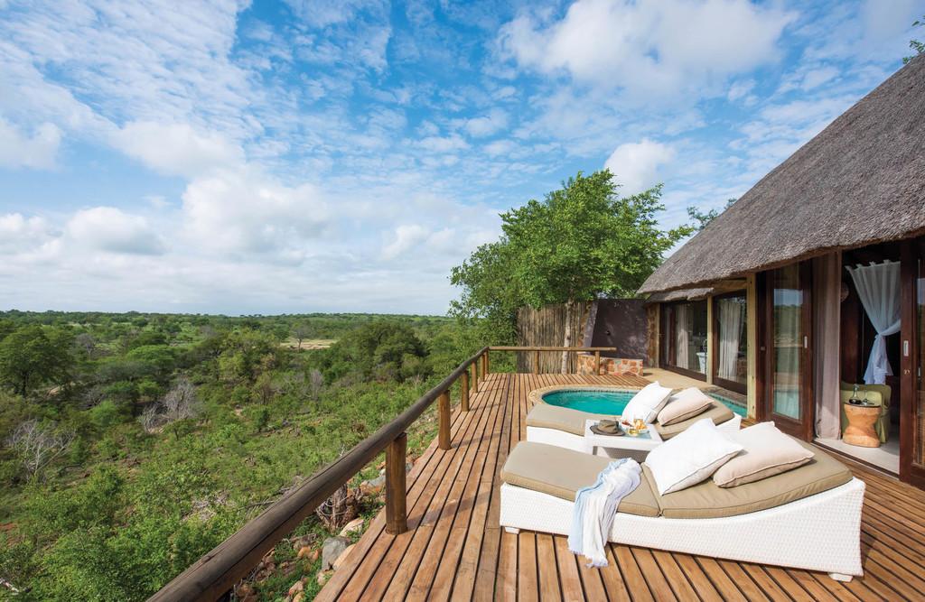 Aussicht von der privaten Terrasse der Leopard Hills Lodge in Südafrika   Abendsonne Afrika