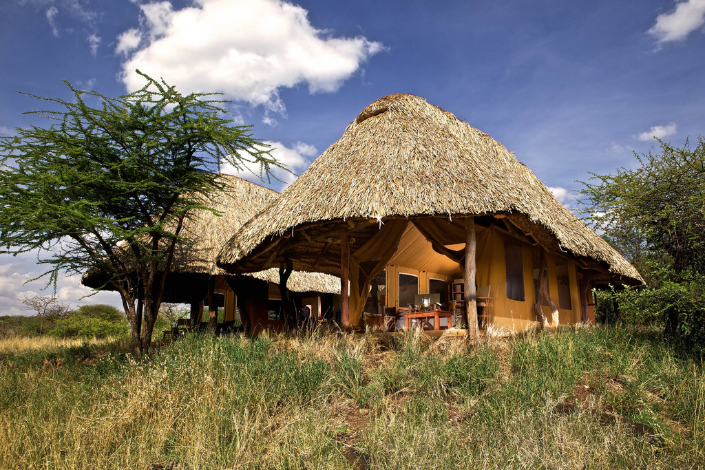 Zimmer im Lewa Safari Camp in Kenia | Abendsonne Afrika