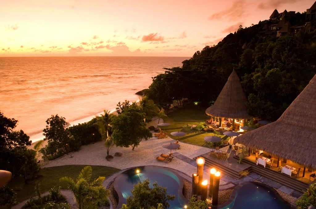 Sonnenuntergang im Maia Luxury Resort & Spa auf den Seychellen | Abendsonne Afrika