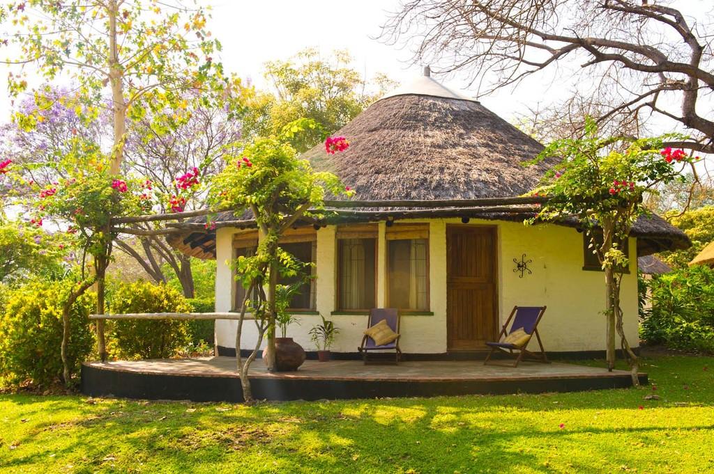 Lodge des Makokola Retreat in Malawi | Abendsonne Afrika