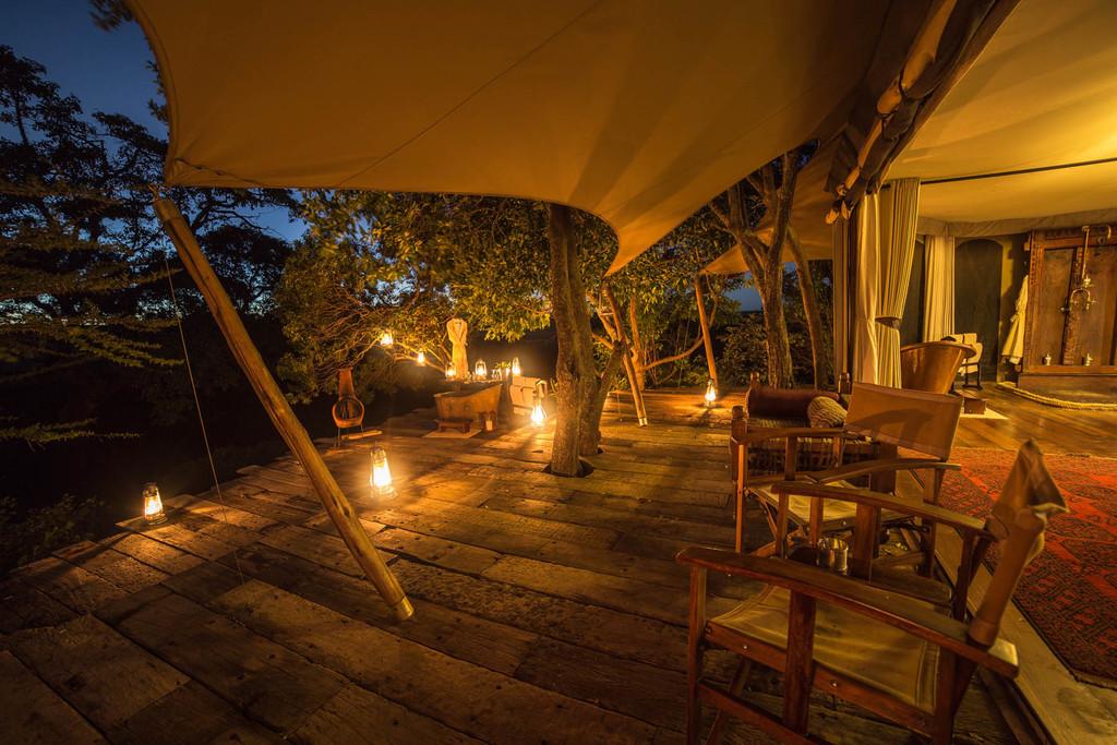 Nachts im Mara Plains Camp in Kenia | Abendsonne Afrika