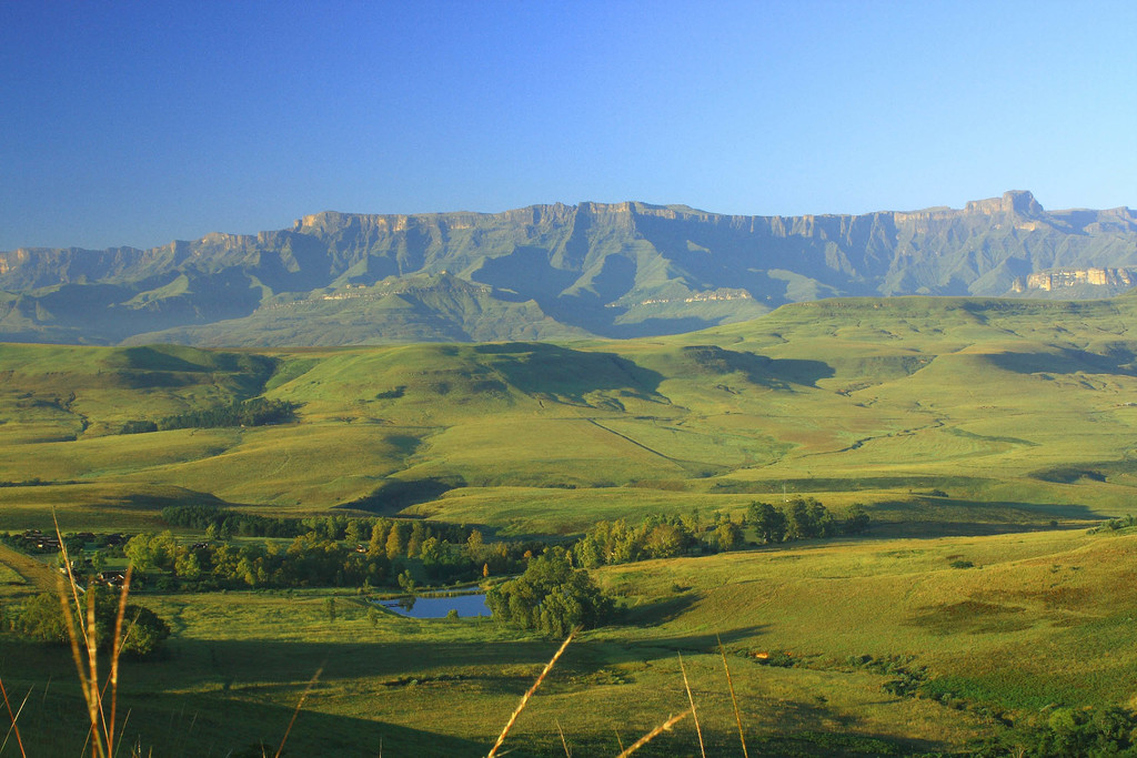 Landschaft bei der Montusi Mountain Lodge in Südafrika | Abendsonne Afrika