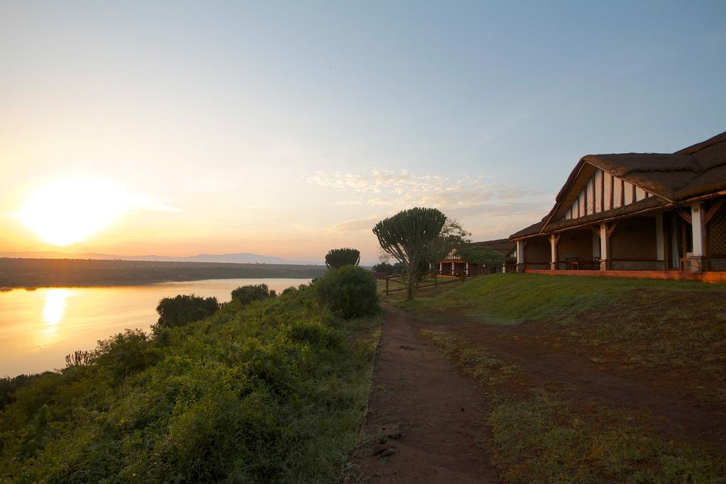 Sonnenuntergang in der Mweya Safari Lodge in Uganda | Abendsonne Afrika