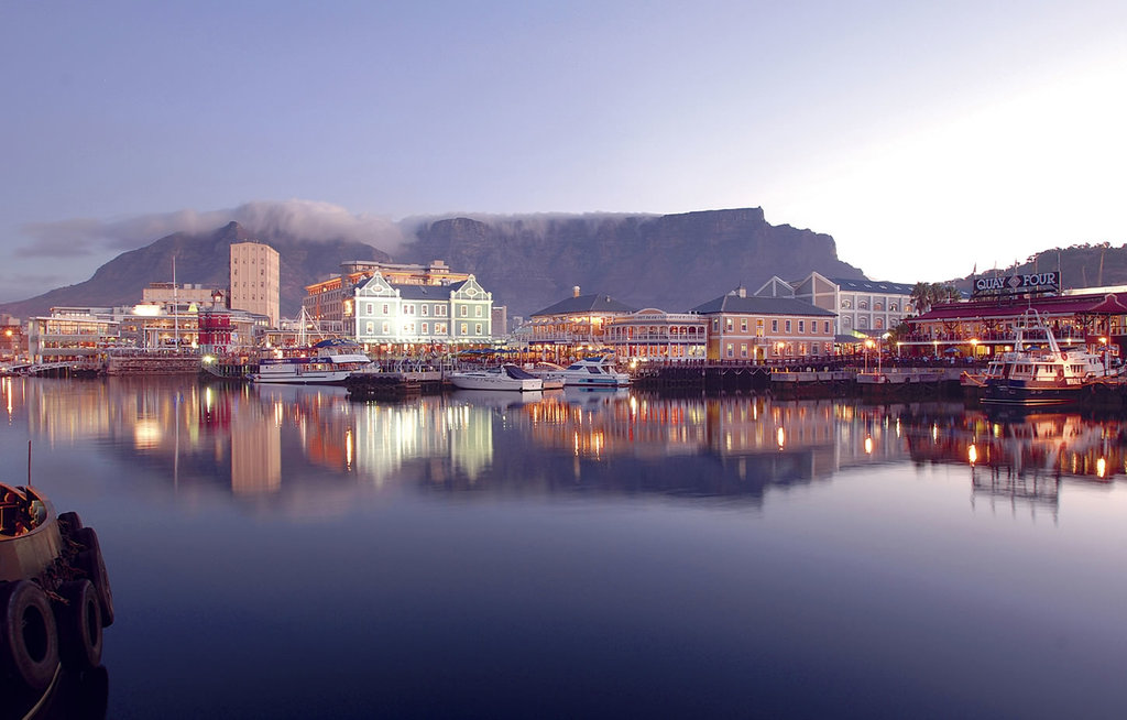 Waterfront in der Nähe des One & Only Cape Town in Südafrika | Abendsonne Afrika