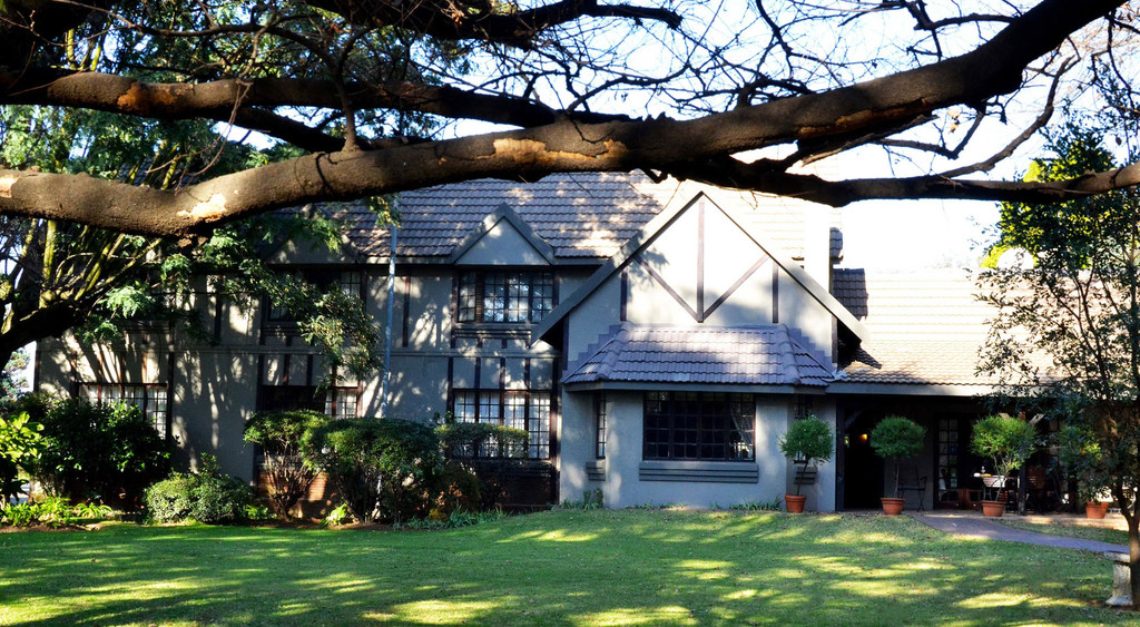 Garten der Outlook Lodge in Südafrika | Abendsonne Afrika