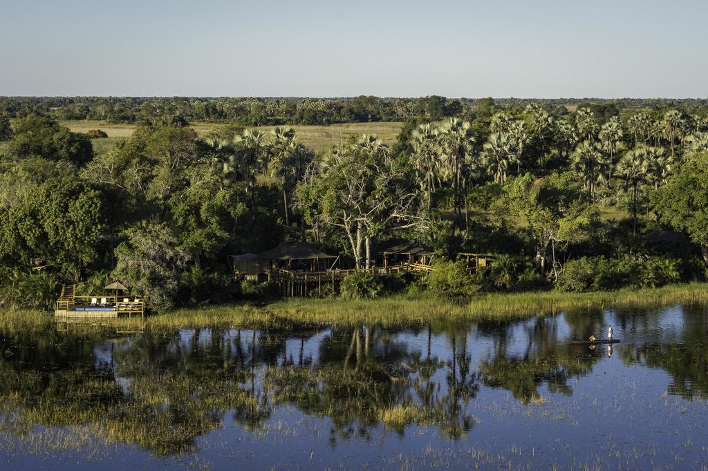 Luftaufnahme des Pelo Camp in Botswana | Abendsonne Afrika