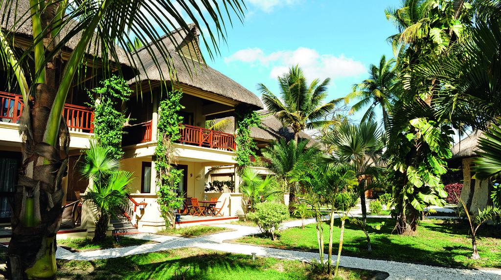 Garten des Sakoa Boutik Hotels auf Mauritius | Abendsonne Afrika