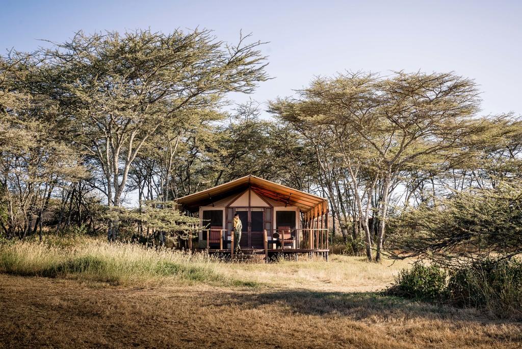 Zeltchalet im Sanctuary Kusini Camp in Tansania | Abendsonne Afrika