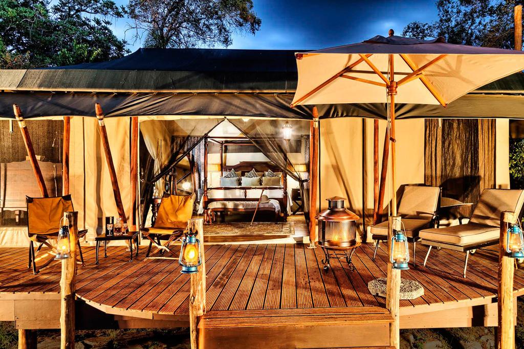 Zeltterrasse im Sand River Camp in Kenia | Abendsonne Afrika