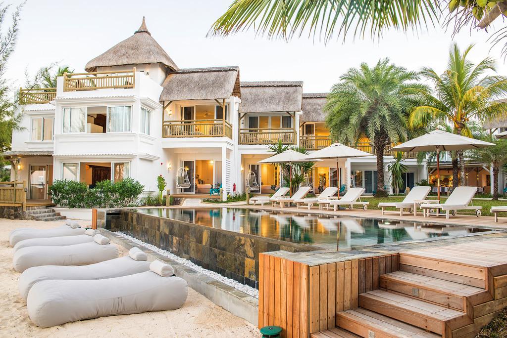 Blick auf das Seapoint Boutique Hotel auf Mauritius | Abendsonne Afrika