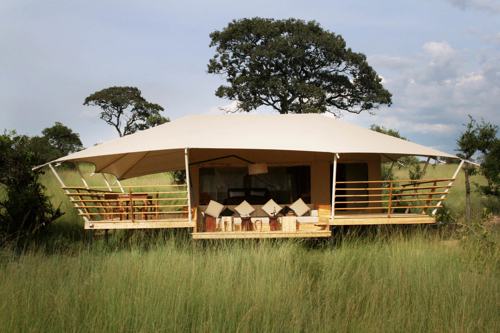 Zelt des Serengeti Bushtops Camps in Tansania | Abendsonne Afrika