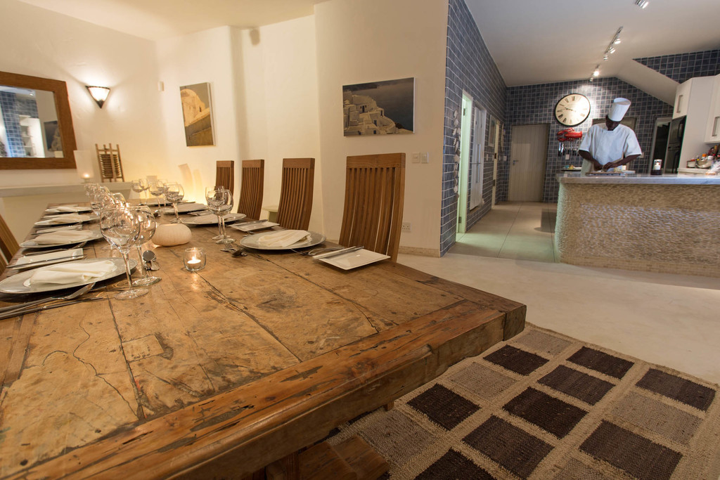 Abendessen in der Villa Santorini in Mosambik | Abendsonne Afrika