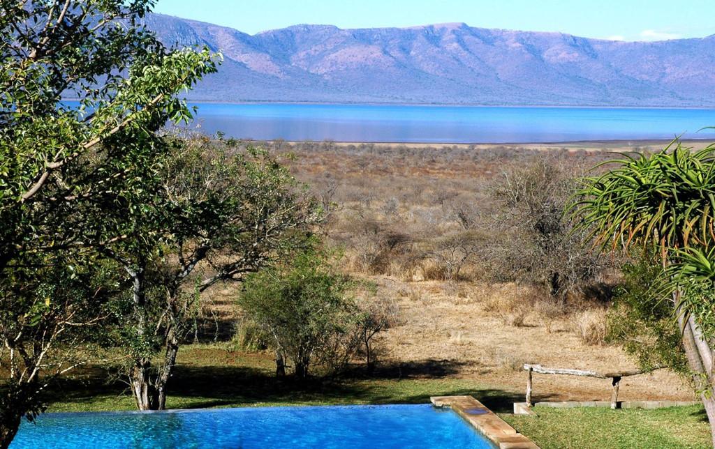 Ausblick von der White Elephant Safari Lodge in Südafrika | Abendsonne Afrika