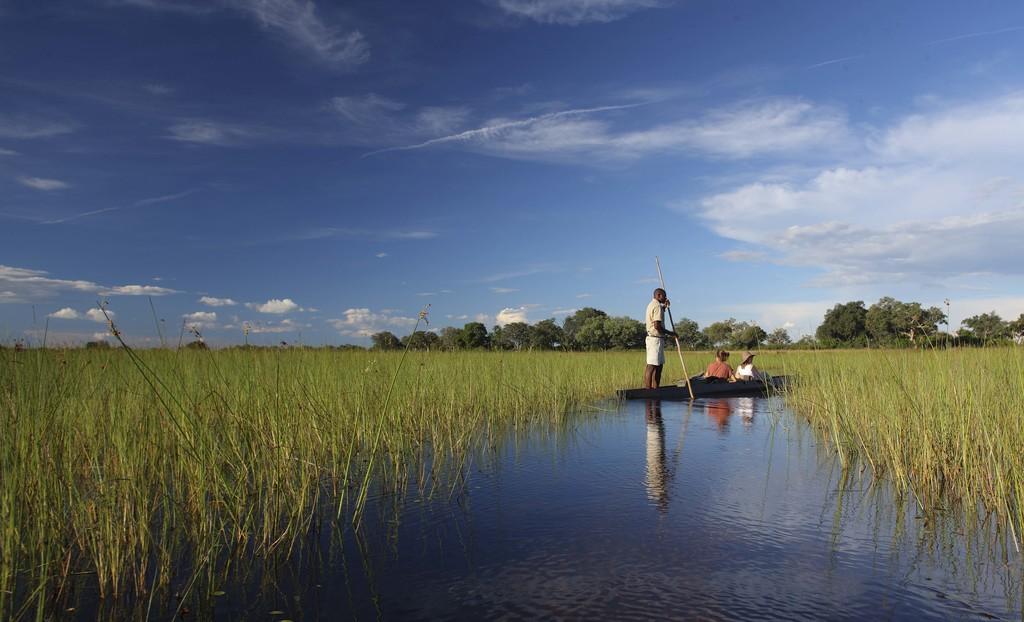 Kanufahrt des Xaranna Okavango Delta Camp in Botswana | Abendsonne Afrika