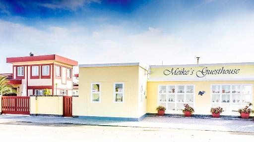 Meike's Guesthouse | Abendsonne Afrika