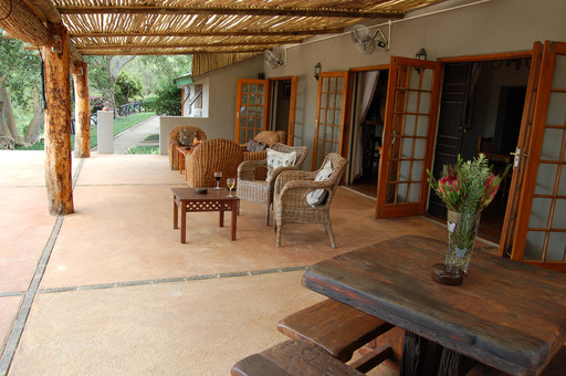 Chestnut Country Lodge | Abendsonne Afrika