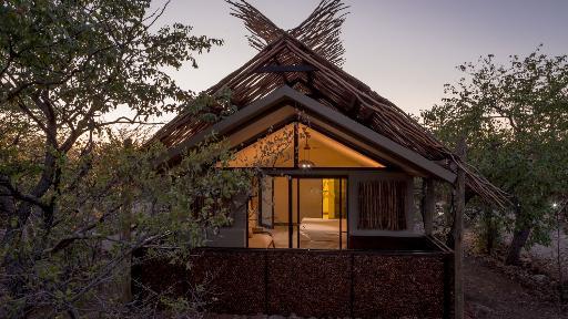 Etosha Village | Abendsonne Afrika