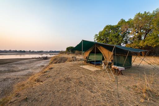 Luangwa Bush Camping | Abendsonne Afrika