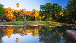 Pool im Waterberg Rest Camp in Namibia | Abendsonne Afrika